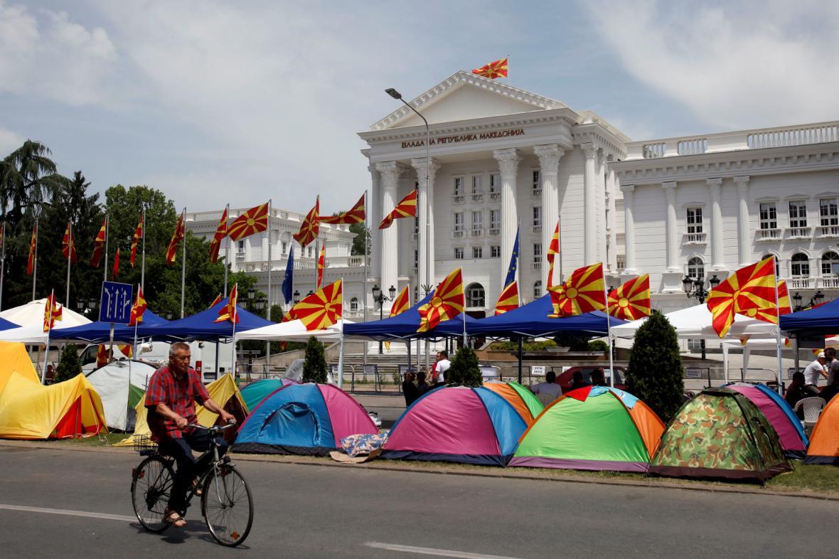 Centrum Skopje - stanové městečko odpůrců Gruevského kabinetu
