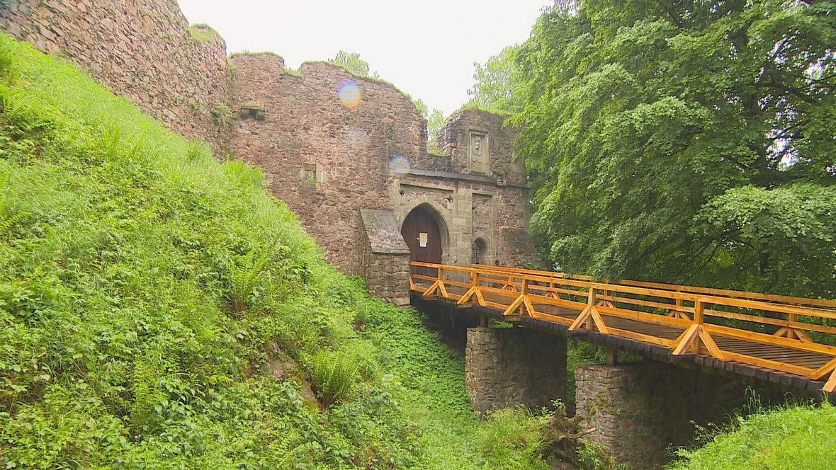Na hrad Litice se letos turisté nedostanou