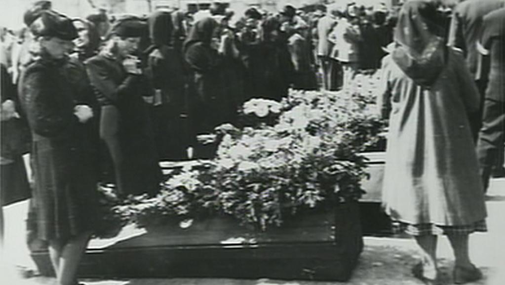 Pohřeb obětí výbuchu letecké pumy v Hrotovicích