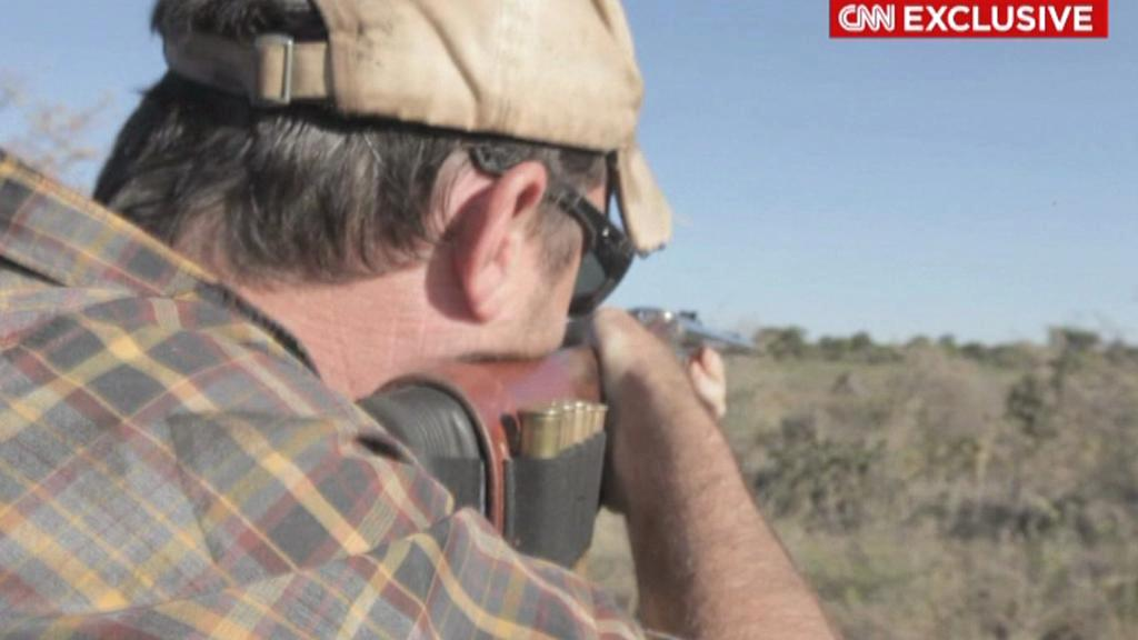 Američan Corey Knowlton zastřelil vydraženého nosorožce