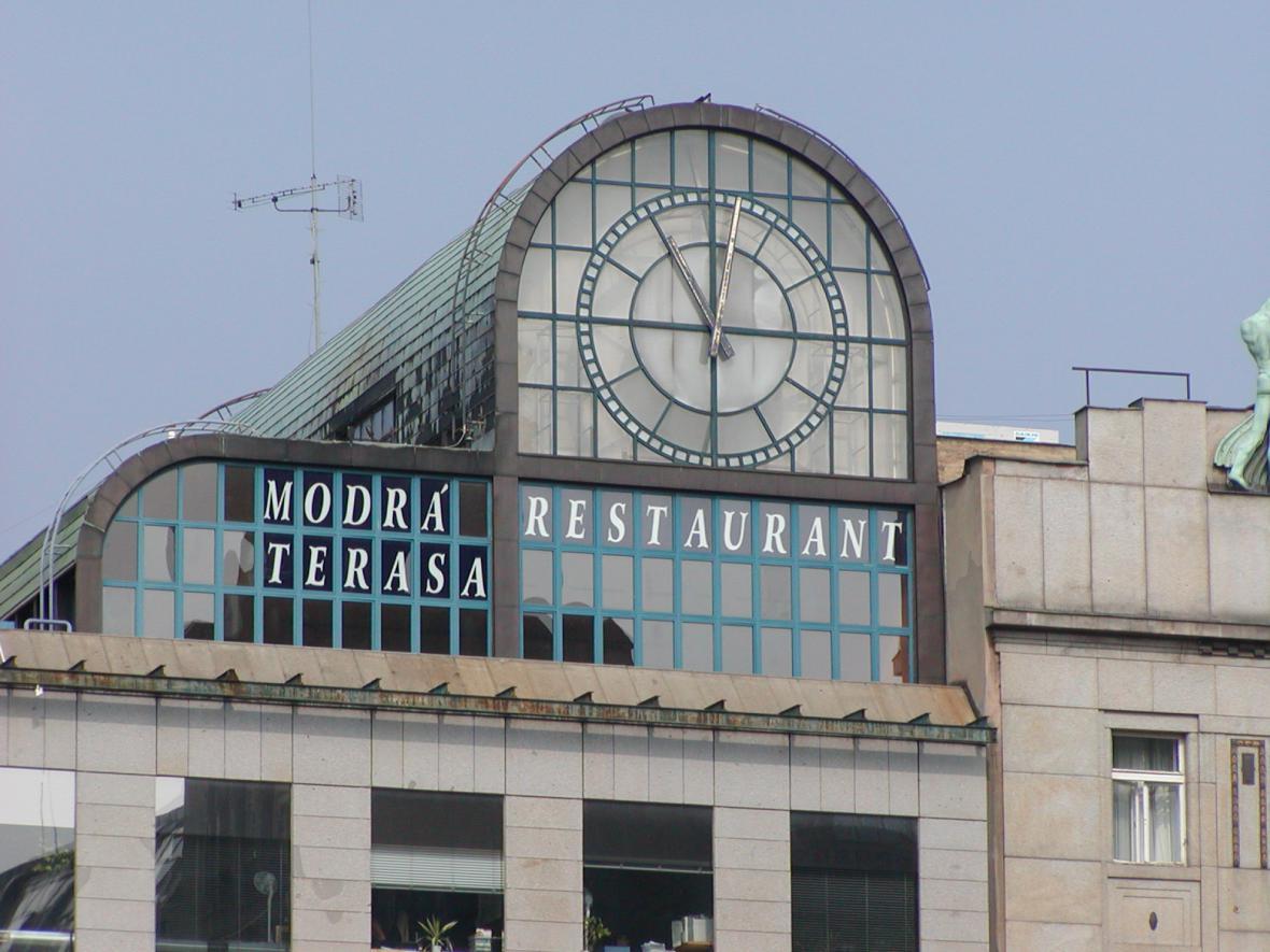 Modrá terasa na archivní fotografii