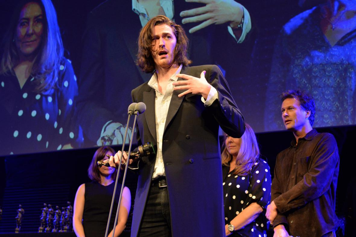 Hozier přebírá Ivor Award