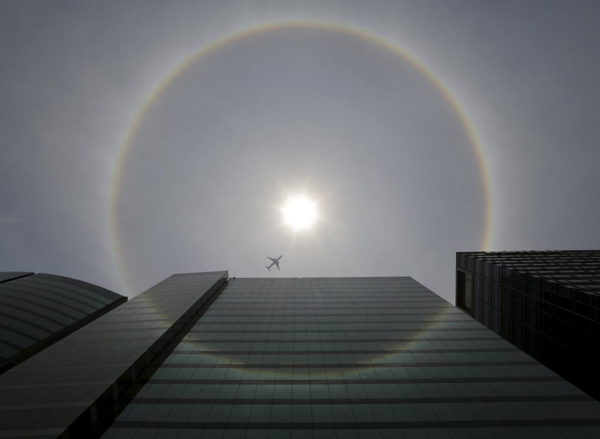 Kruhová duha kolem Slunce
