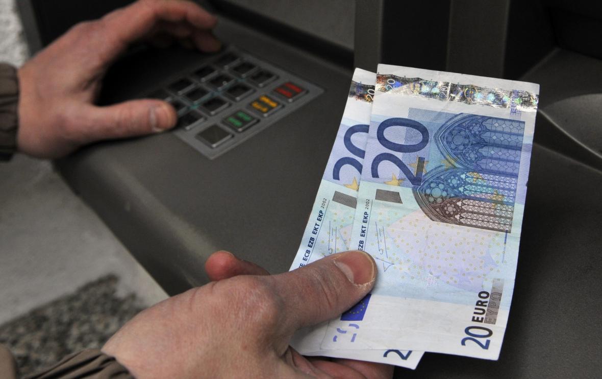 Výběr peněz na Slovensku