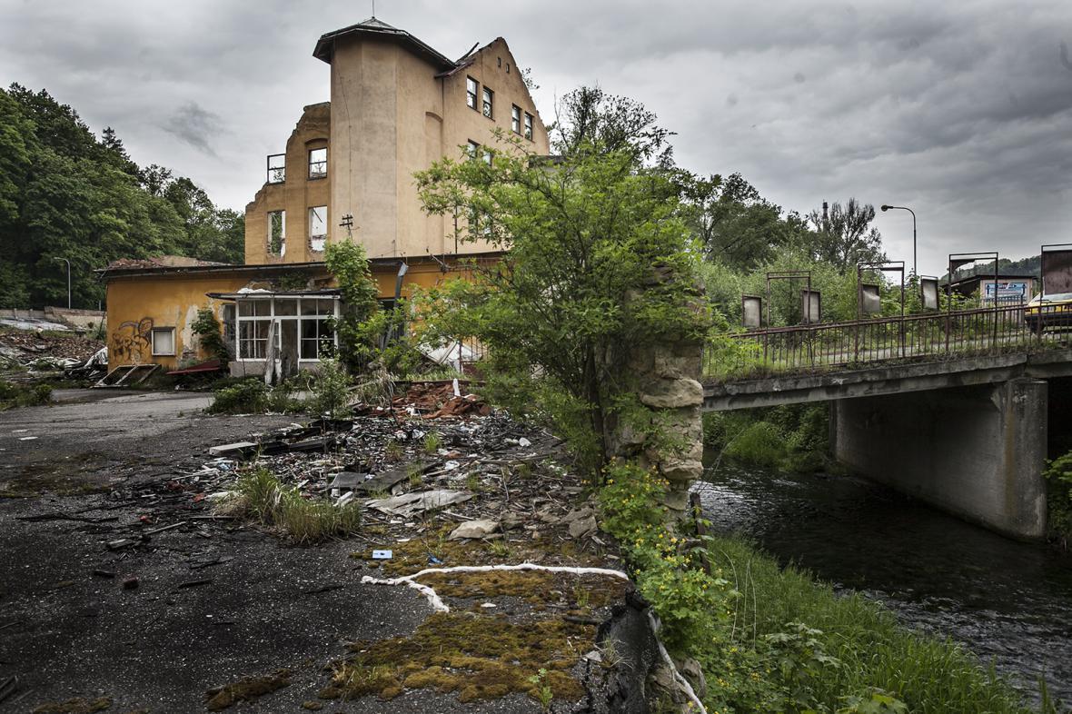 Areál bývalé Schindlerovy továrny v Brněnci.