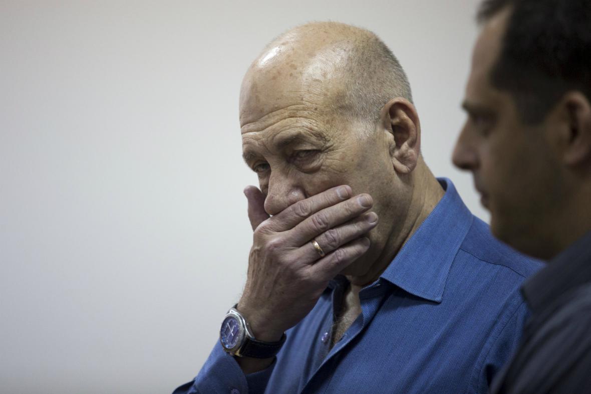 Ehud Olmert před soudem