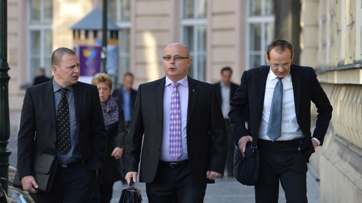 Obžalovaní Milan Kovanda, Ondrej Páleník a Jan Pohůnek