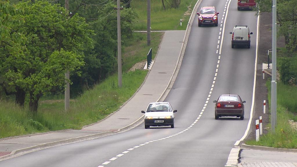 Na této přehledné silnici jel dřív rychlostí 50 km/hod. jen málokdo