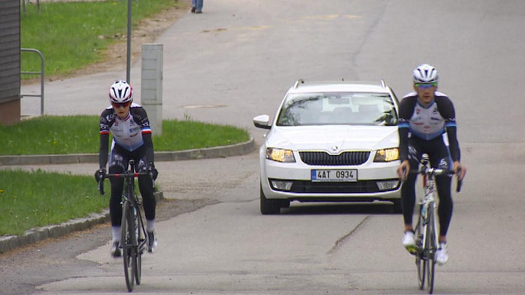 Martina Sáblíková teď v Novém Městě na Moravě trénuje na kole