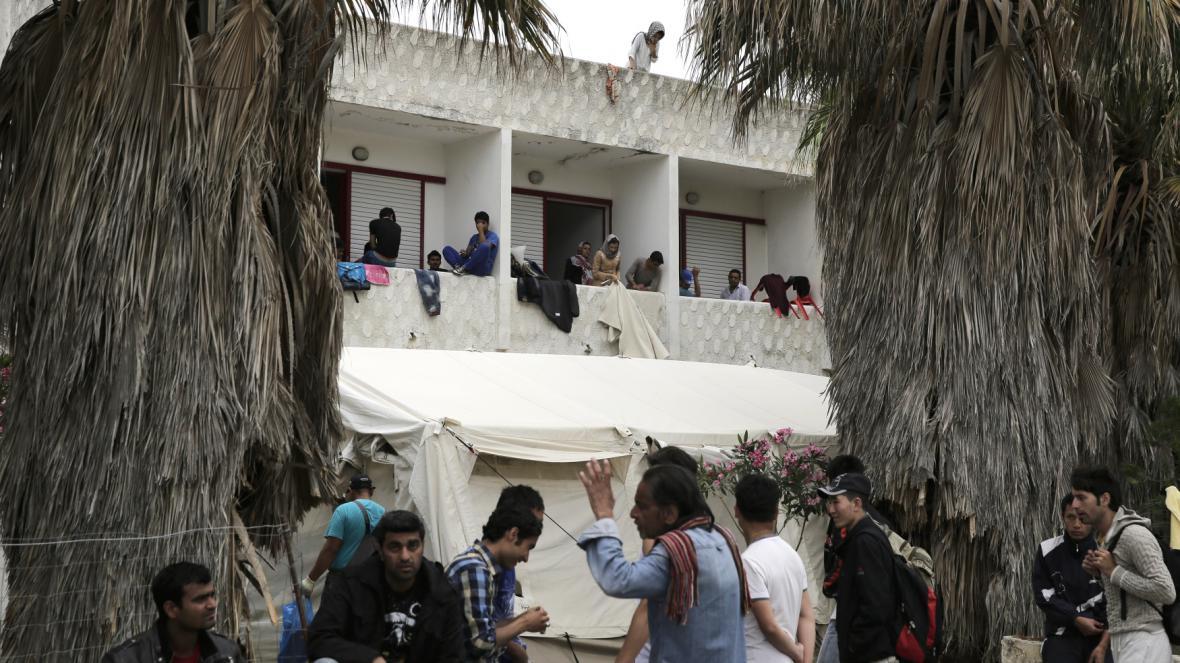 Uprchlíci v opuštěném hotelu Lambi
