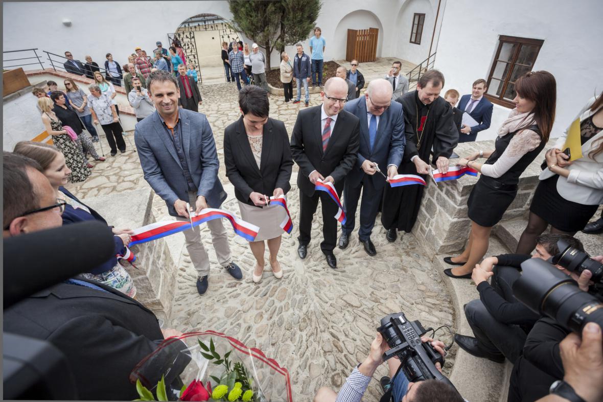 Slavnostní otevření Husova rodného domu v Husinci