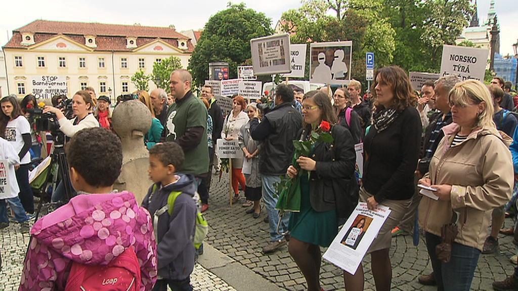 Pochod proti odebírání dětí norskými úřady