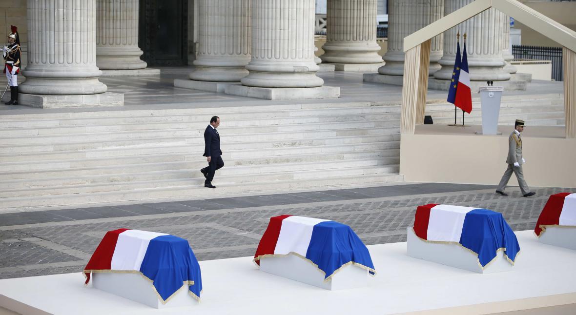 Obřad před pařížským Pantheonem