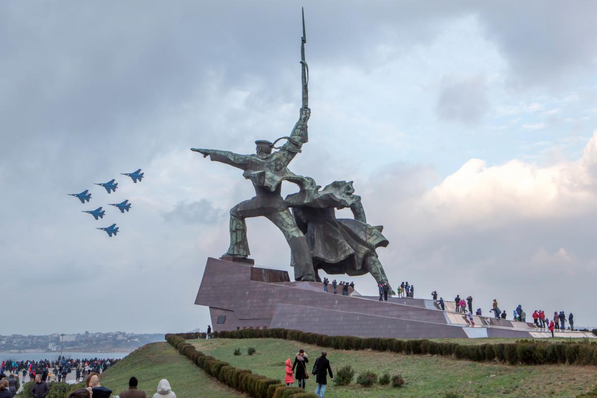 Armádní letecká show v Sevastopolu