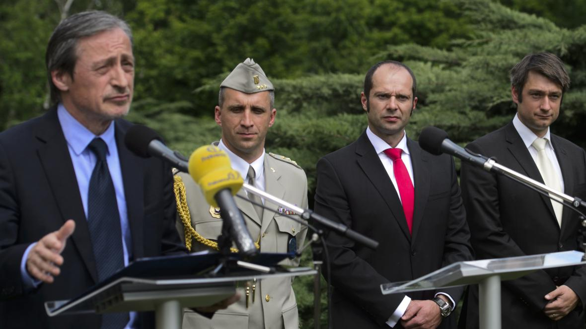 Ministr Martin Stropnický (ANO), Pavel Kříž, náměstek Pavel Beran a Jakub Landovský