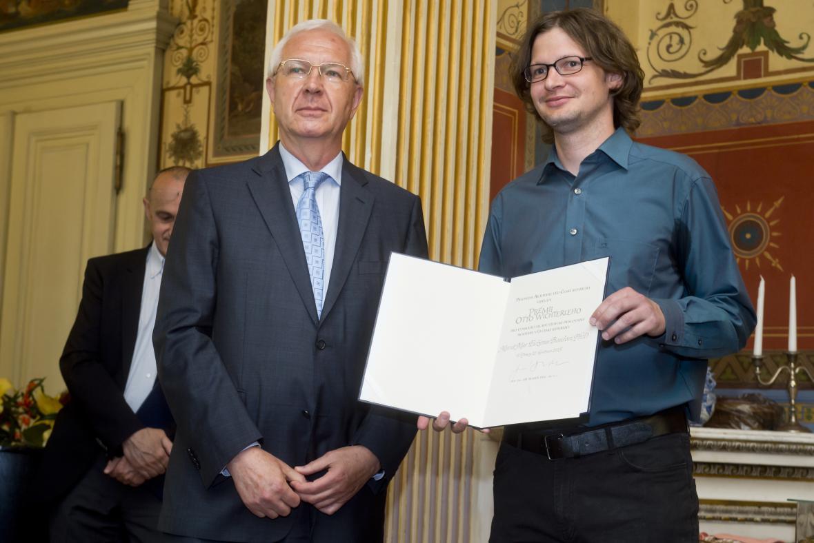 Jiří Drahoš a laureát Evžen Bouřa