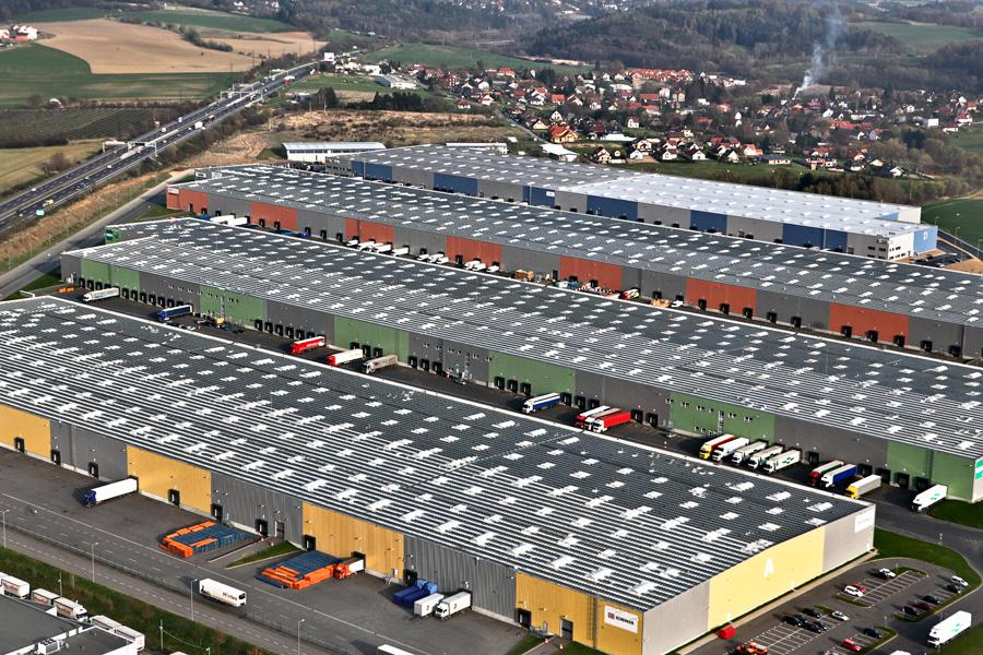 Zástavba krajiny sklady a logistickými centry