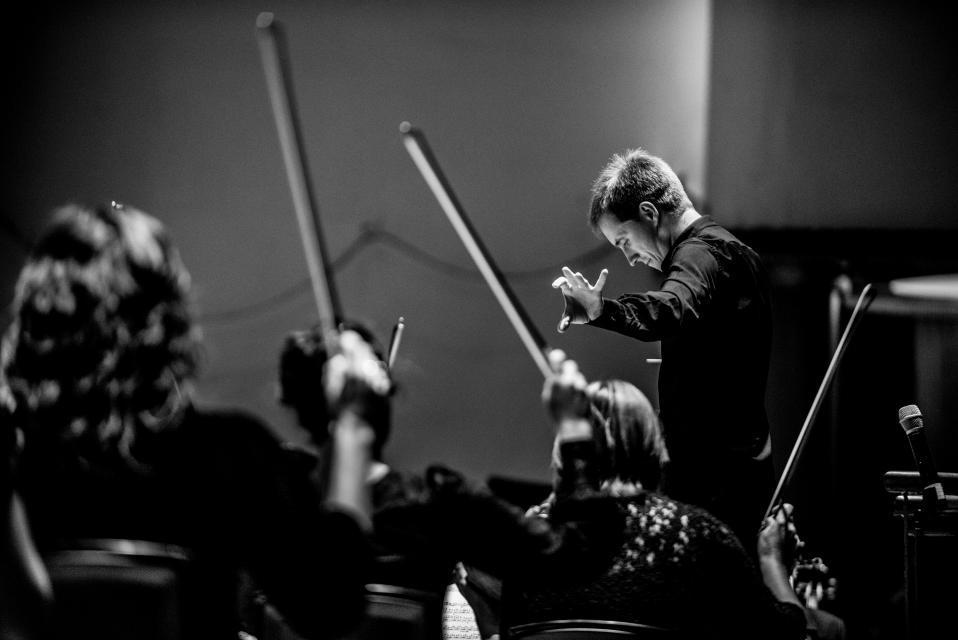 Královská liverpoolská filharmonie s dirigentem Vasilijem Petrenkem