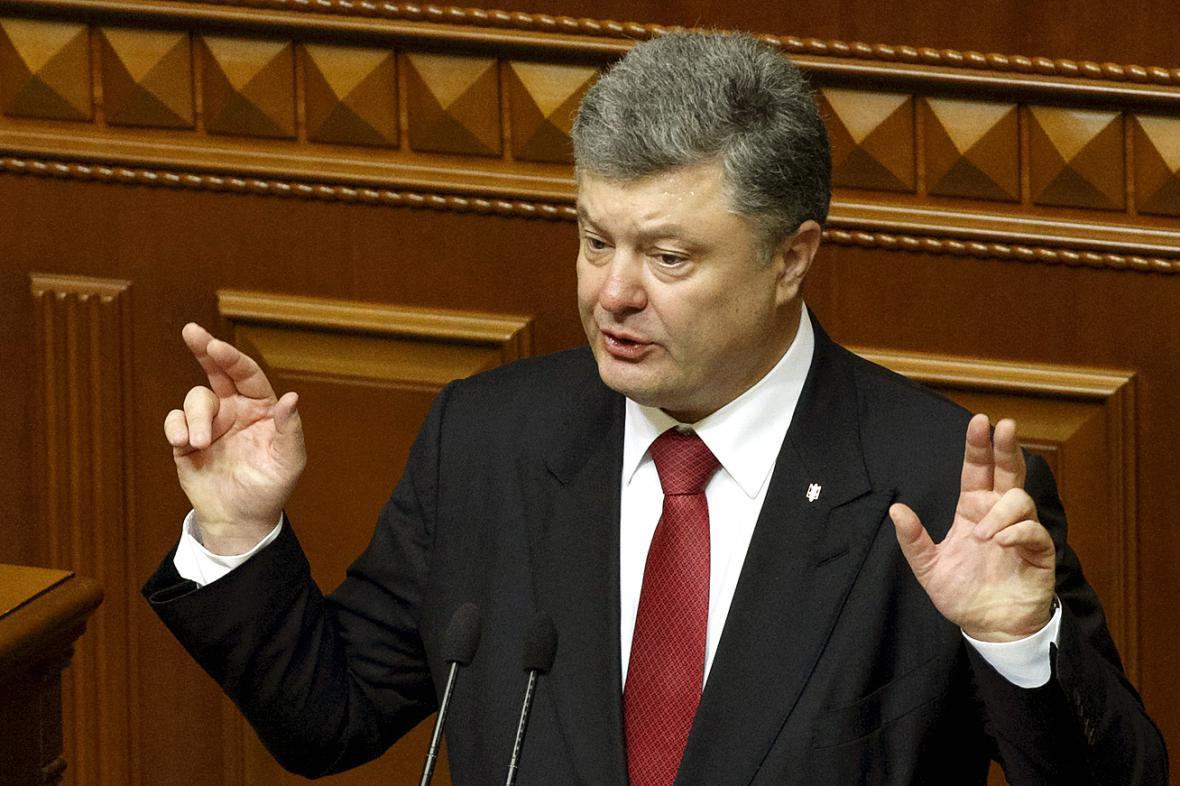 Musíme být připraveni na invazi, varoval Petro Porošenko