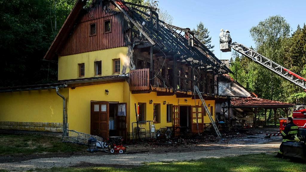 Požár chaty v Českém ráji