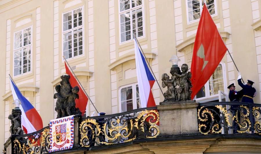 Husitské vlajky na Pražském hradě