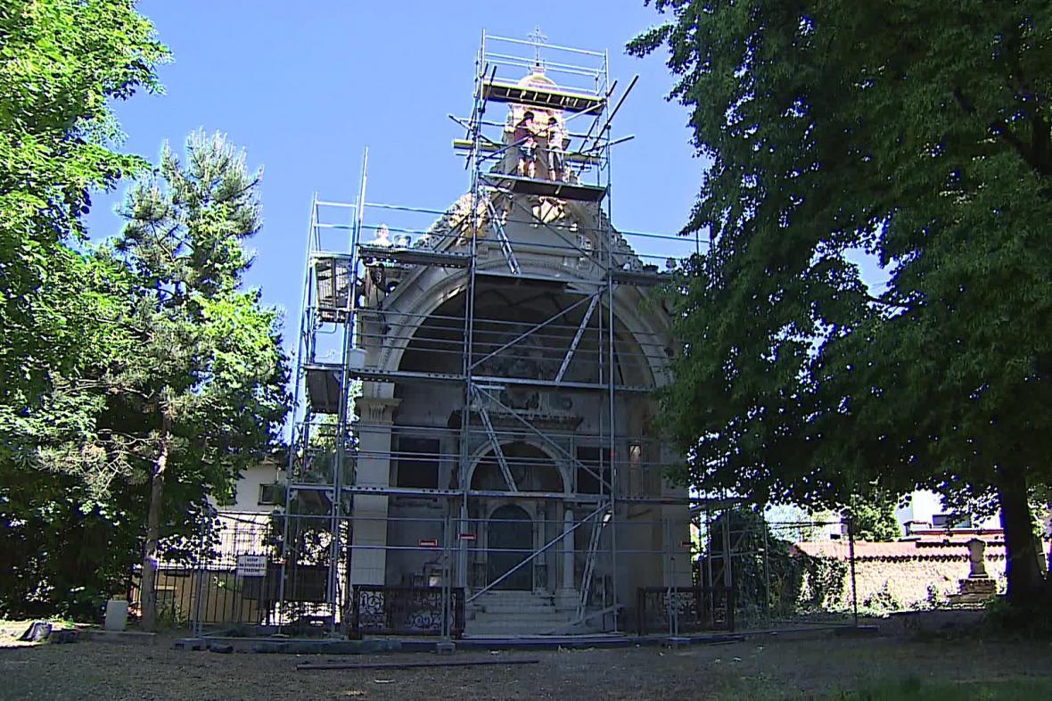 Hrobka židovského továrníka Ignaze Kuffnera