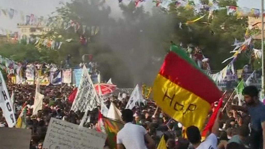 Výbuch na mítinku HDP v Diyarbakiru