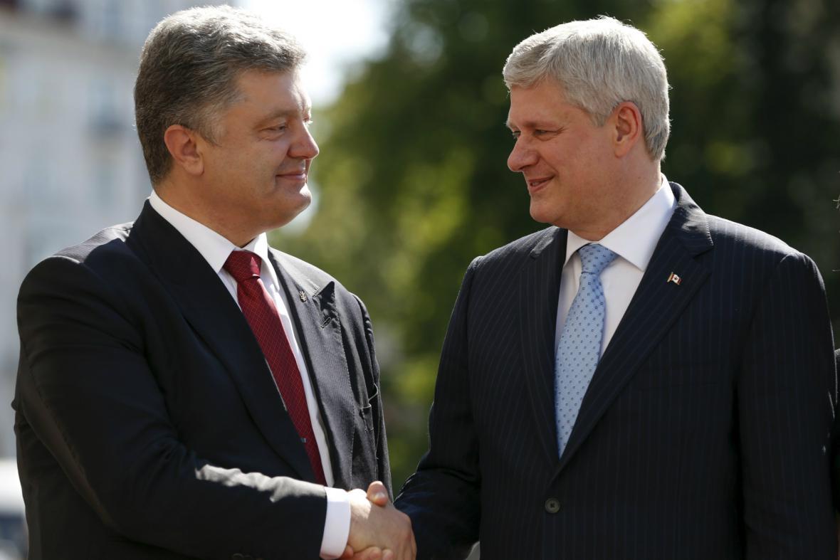 Petro Porošenko přivítal v Kyjevě Stephena Harpera