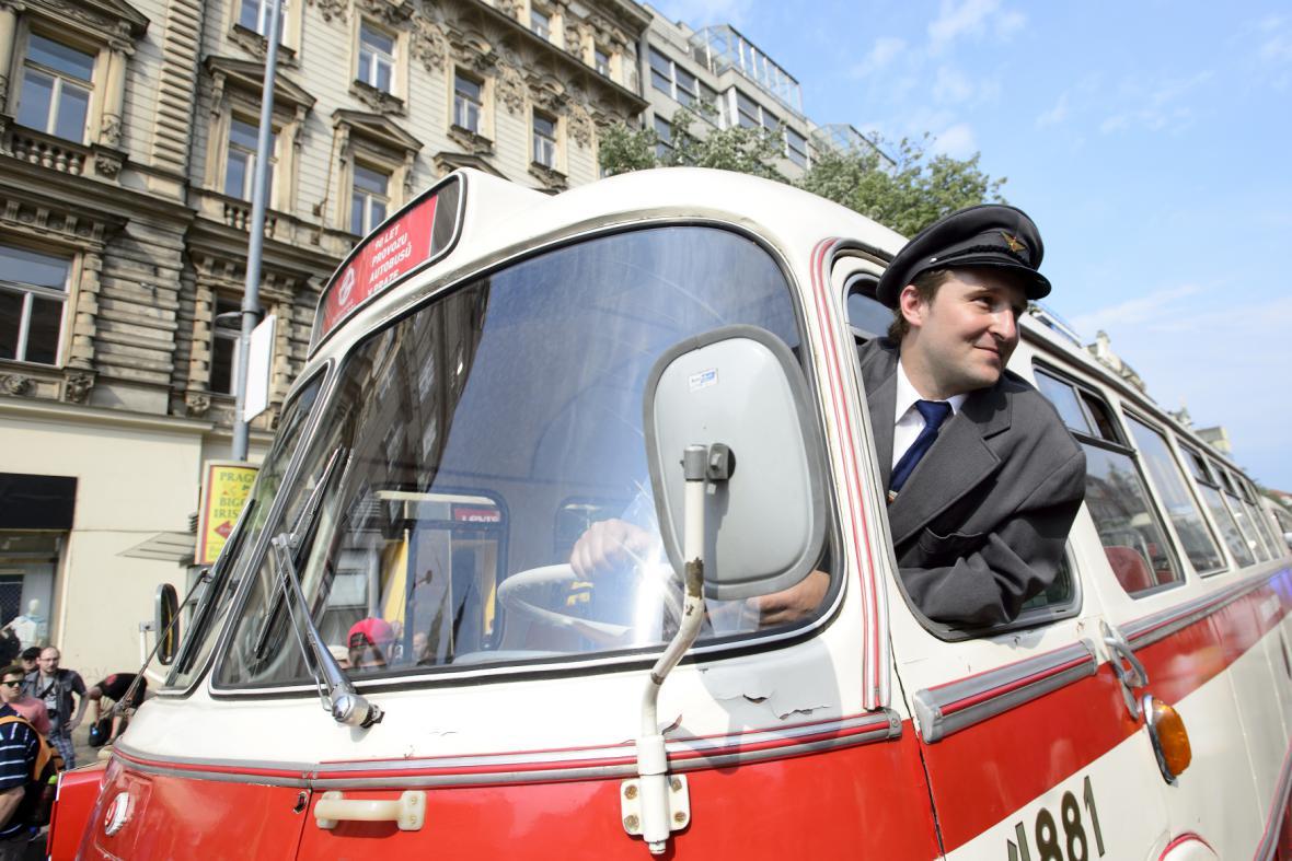 Oslavy autobusové dopravy v Praze