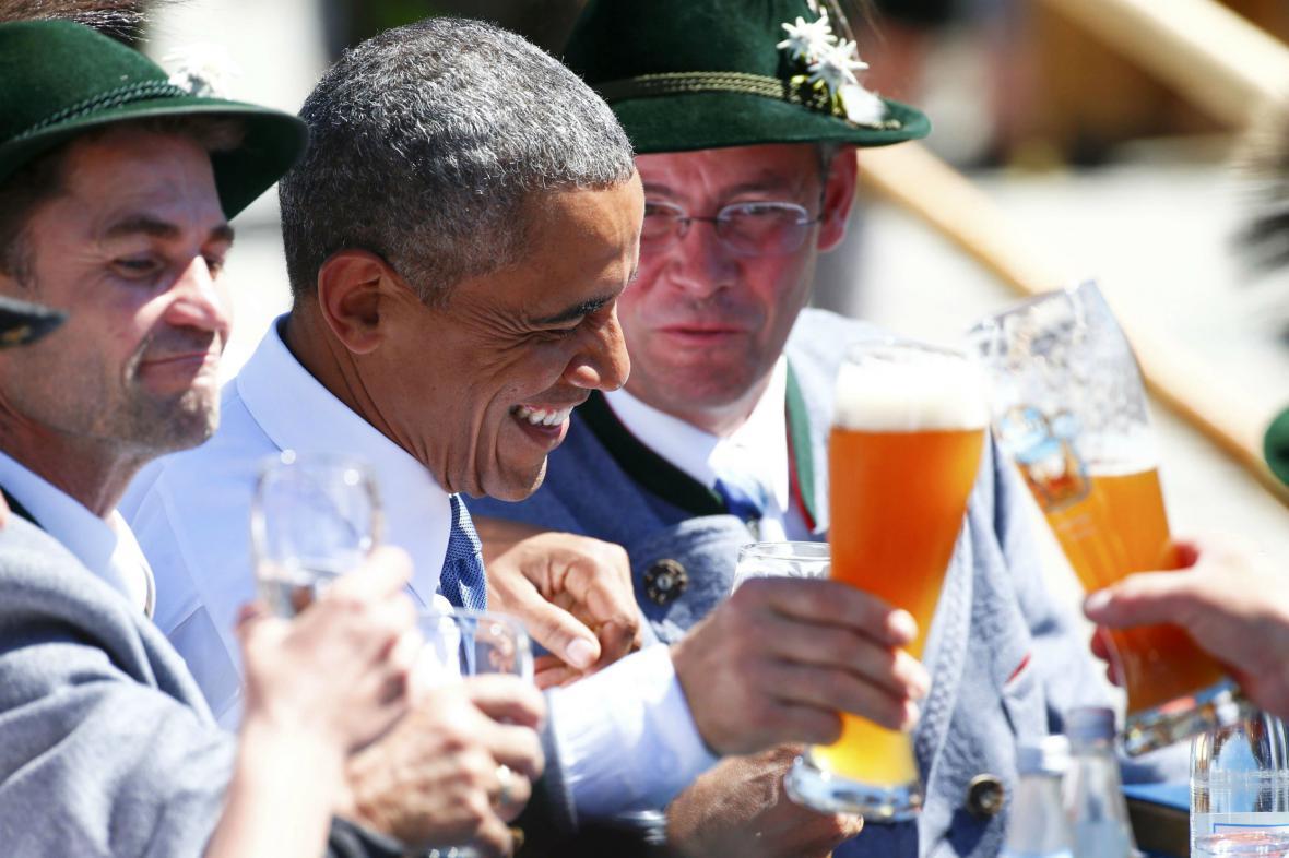 Americký prezident si přivítání v Bavorsku užil