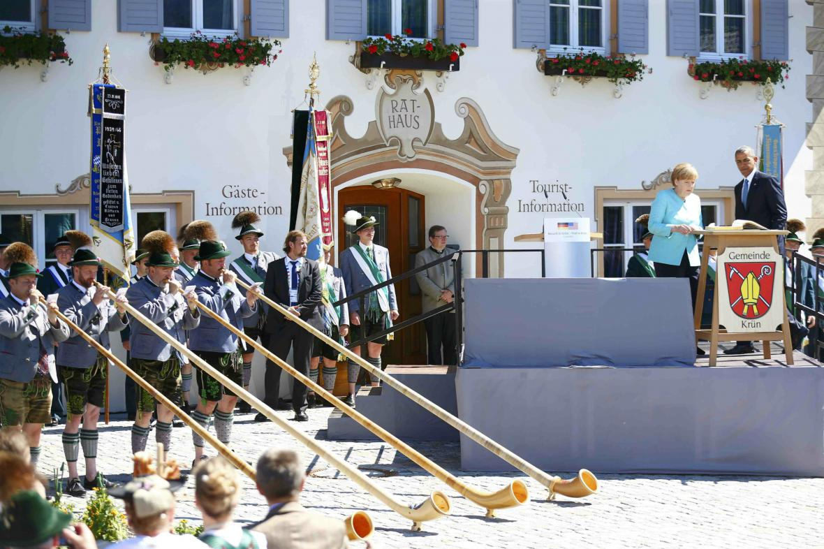 Angela Merkelová oficiálně uvítala v Německu Baracka Obamu