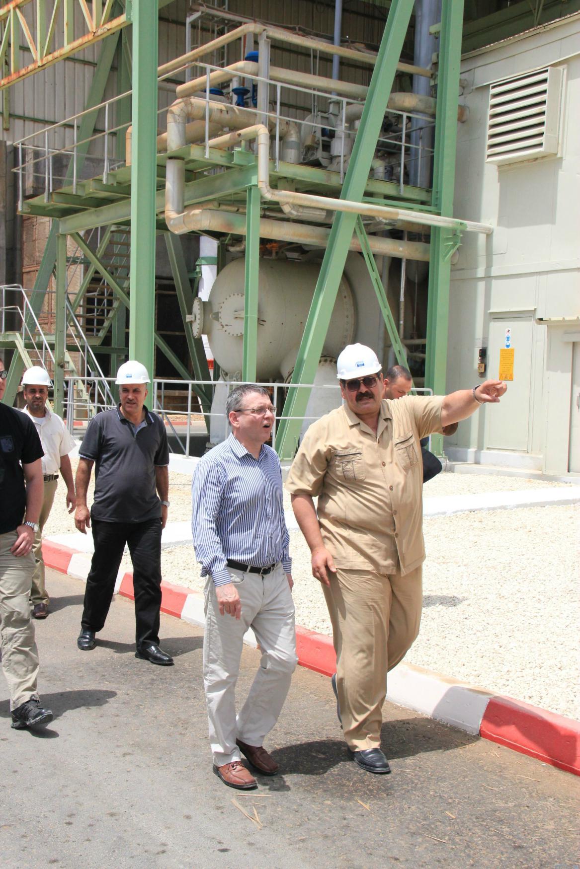 Zaorálek navštívil v Pásmu Gazy elektrárnu