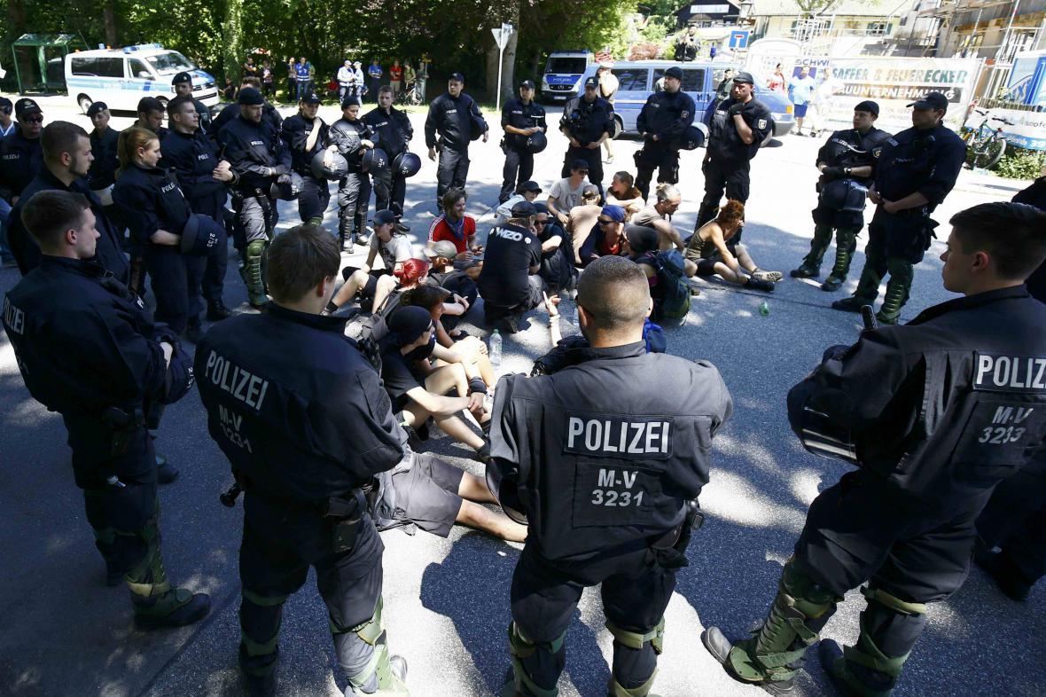 Protest proti konání summitu G7