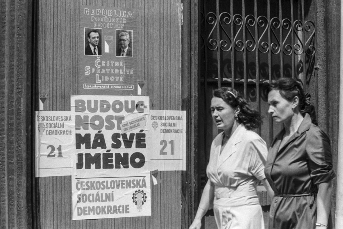 Svobodné volby v roce 1990
