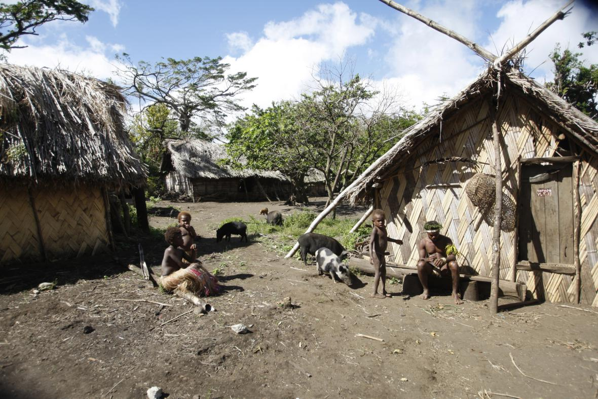 Kmen na Vanuatu uctívá prince Philipa jako boha
