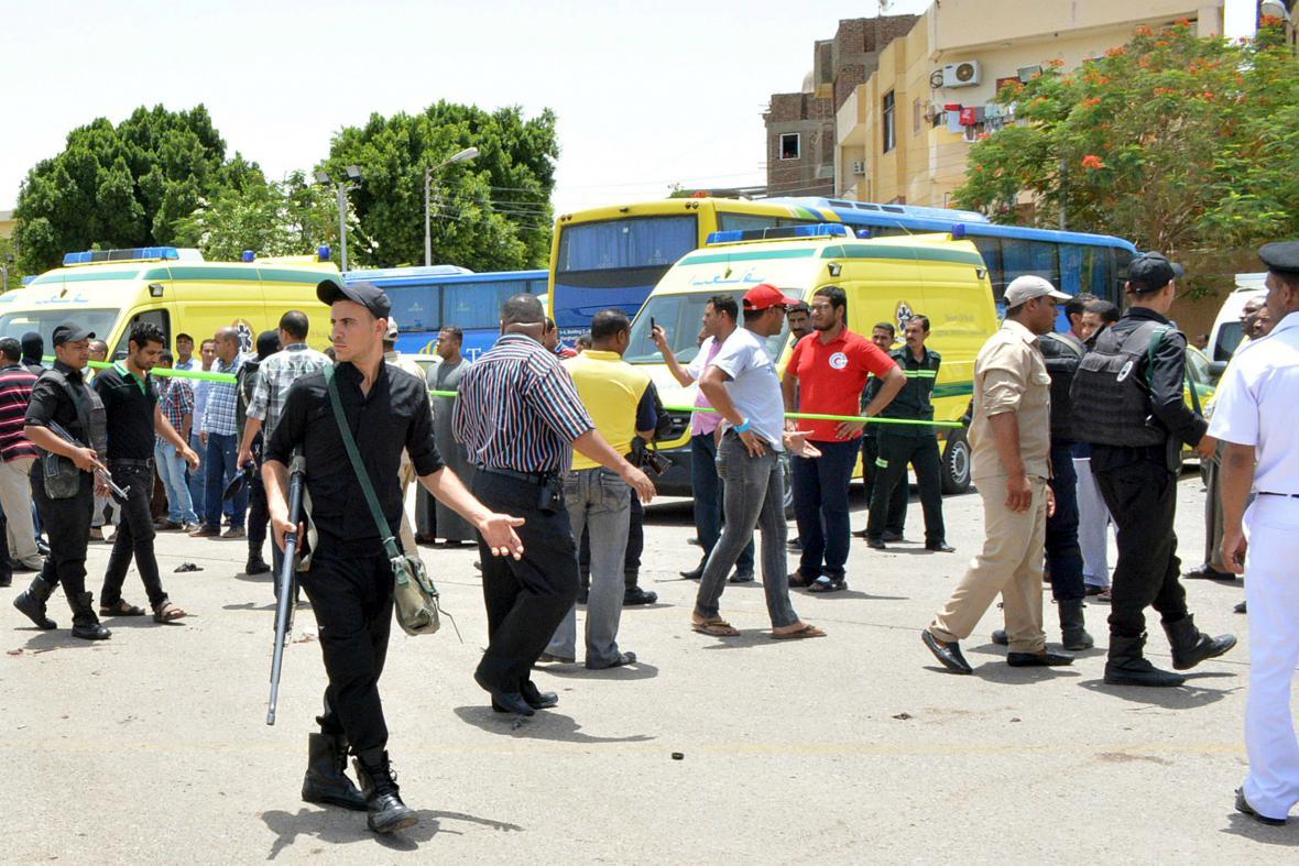 Policie zmařila v Karnaku sebevražedné útoky