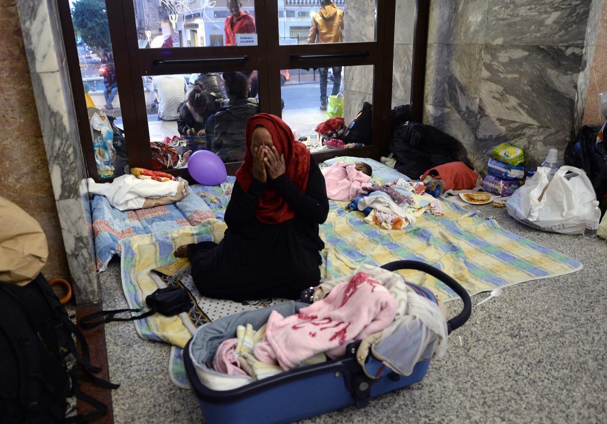 Uprchlíci na nádraží ve městě Ventimiglia