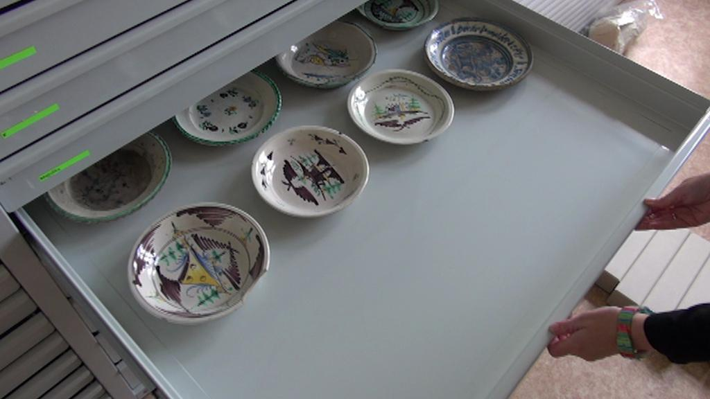 Ztráty zaznamenalo litoměřické muzeum i mezi porcelánem