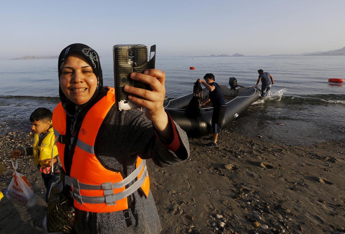 Syrští uprchlíci připluli do Řecka