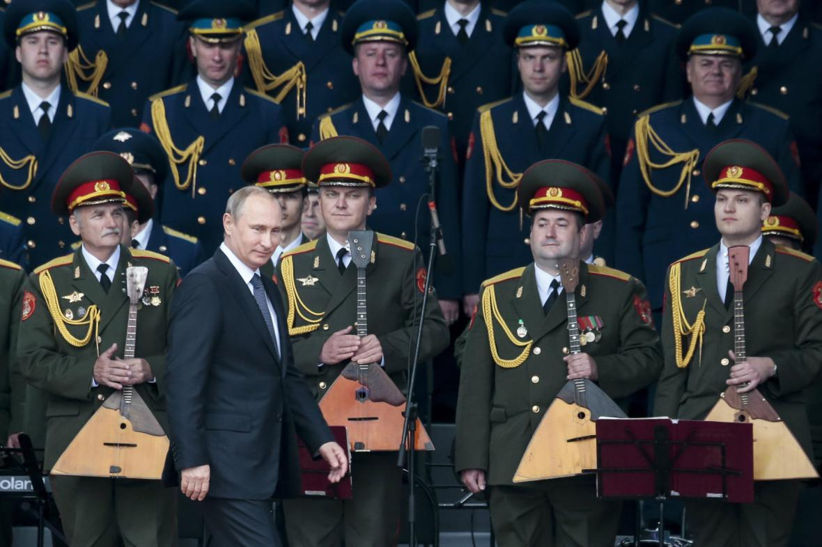 Vladimir Putin na výstavě Armija-2015
