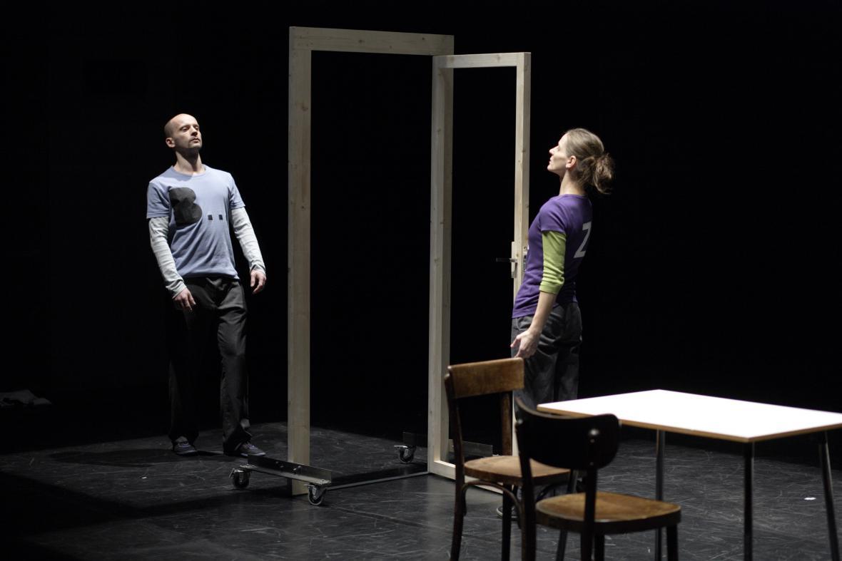Ján Mančuška / Hra pozpátku (divadelní performance), 2010