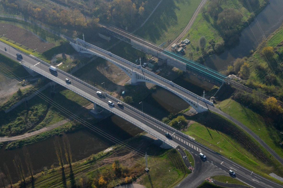Silnice II/231 v Plzni Plaská – Na Roudné – Chástecká. První etapa