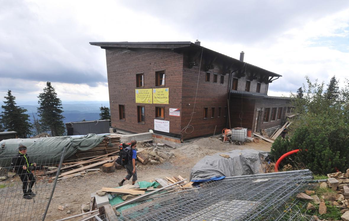 Stavba Bezručovy chaty na Lysé hoře (2014)