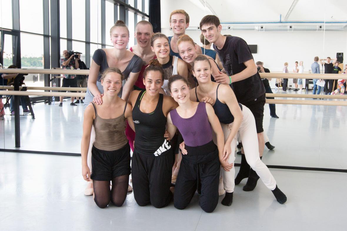 Účastníci finále Eurovision Young Dancers 2015