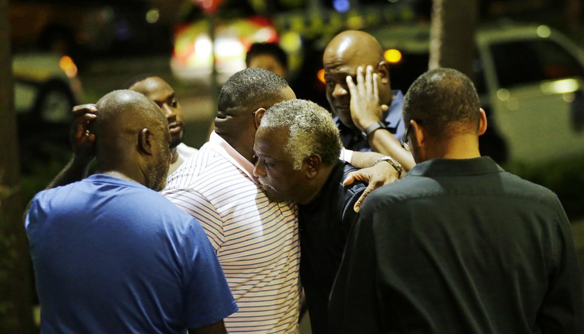 Lidé z Charlestonu se vyrovnávají s tragickou událostí