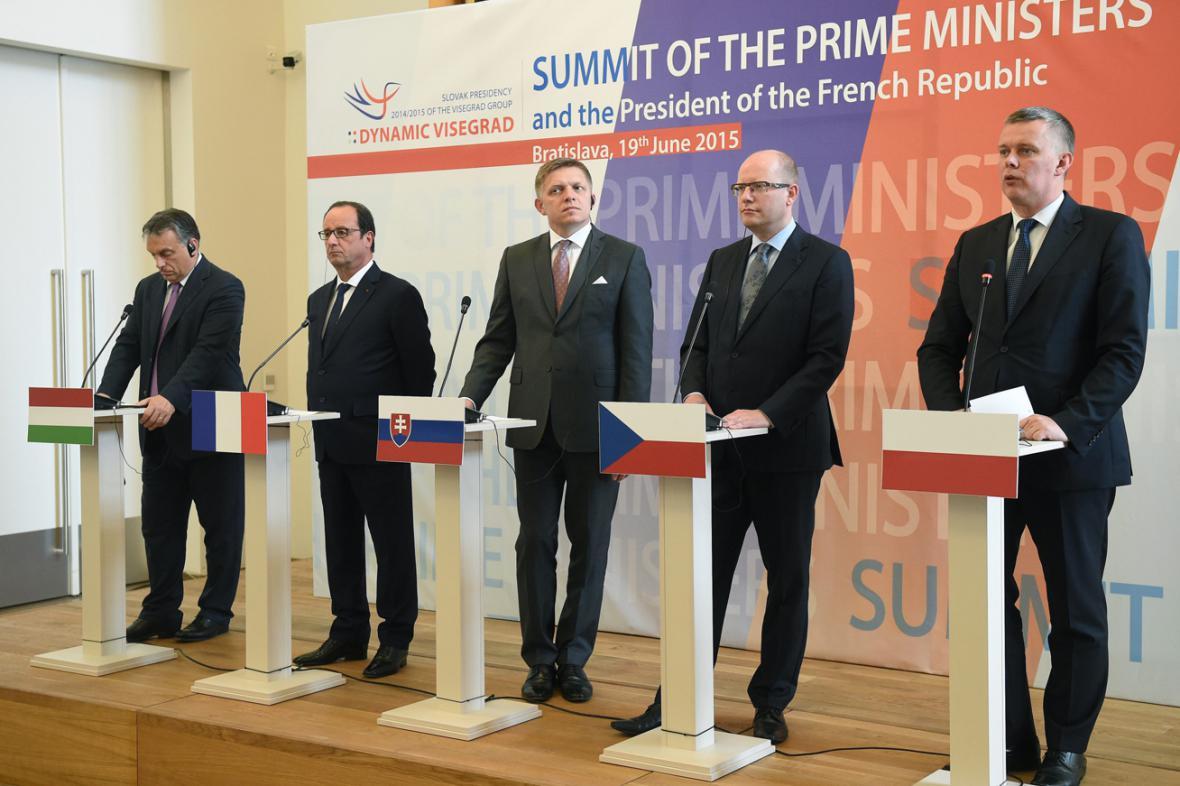 Bratislavská schůzka V4 s prezidentem Francoisem Hollandem