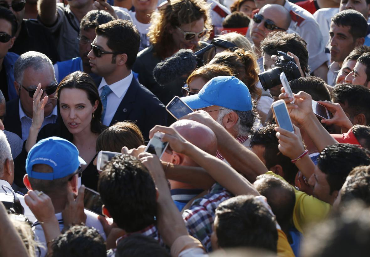 Angelina Jolie navštívila uprchlíky v Turecku