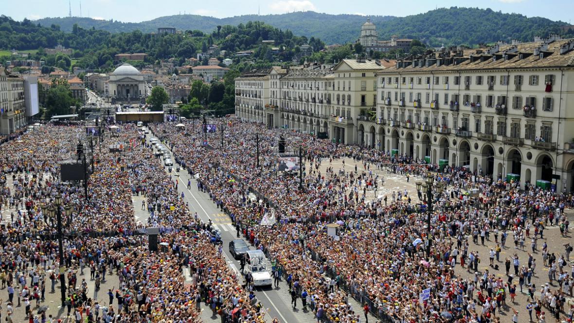 Papež František na návštěvě v Turíně