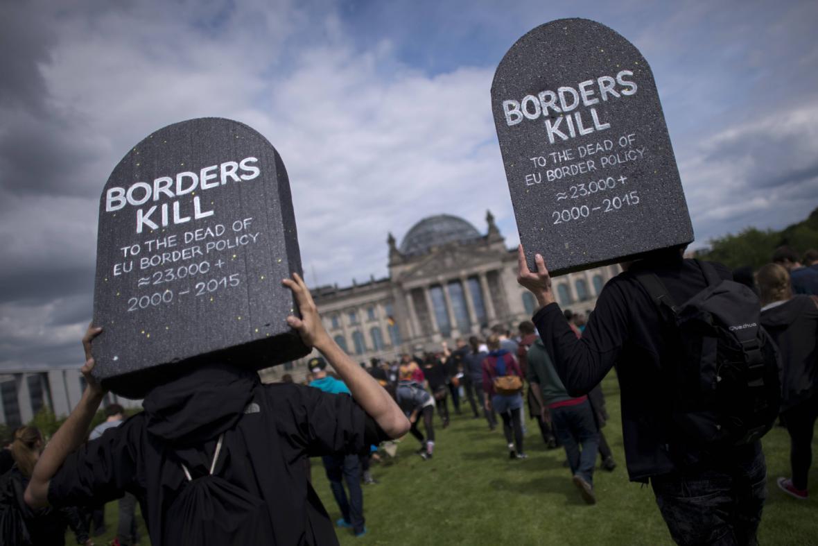 Demonstrace za oběti uprchlické krize