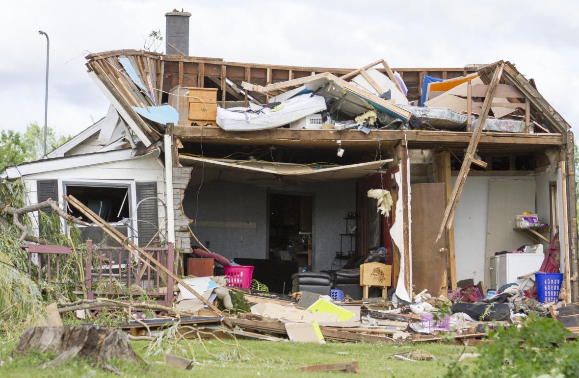 Následky silných bouří ve městě Arbella Township v Michiganu